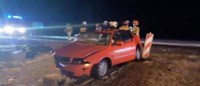 Dwie osoby poszkodowane w wypadku-26994