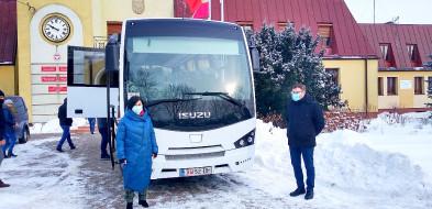 Fabrycznie nowy autobus w Wojcieszkowie-27461