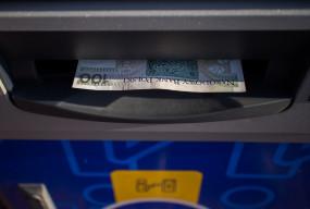 Niektóre banki zapowiadają przerwy w usługach. Sprawdź, co nie będzie działać-29661