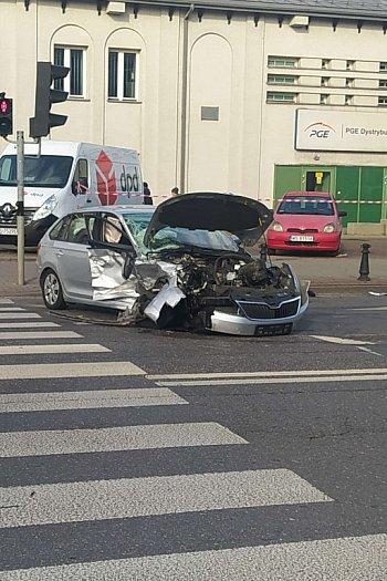 Poważny wypadek. Kierowca trafił do szpitala-2292